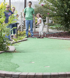 Miniature Golf Course | Beech Bend Amusement Park - Bowling Green, KY