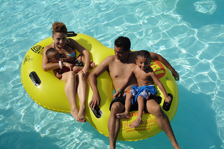Lazy River at Splash Lagoon | Beech Bend Amusement Park - Bowling Green, KY