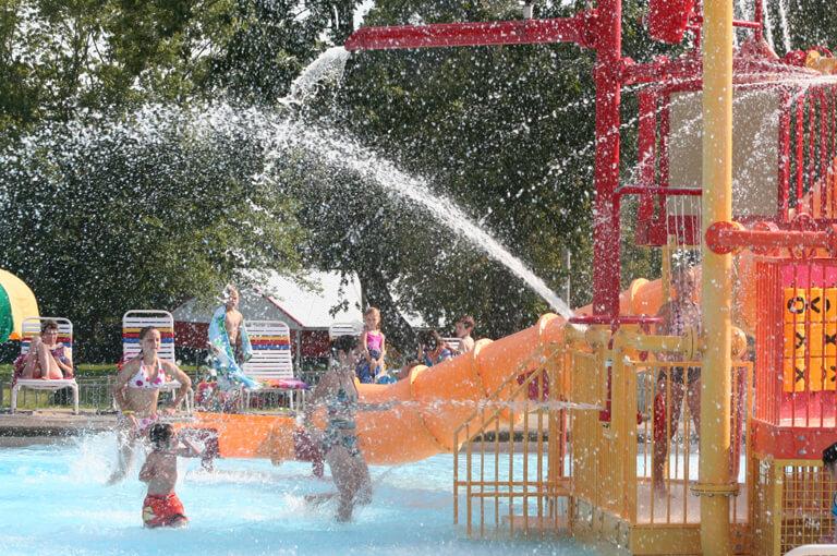 Lotta Water Play Area at Splash Lagoon | Beech Bend Amusement Park - Bowling Green, KY